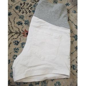 White Denim Maternity Shorts | Thyme